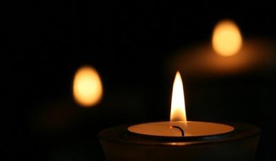 Jak Uczcić Pamięć Zmarłego