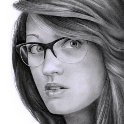 Portret-dziewczyny-olowkiem